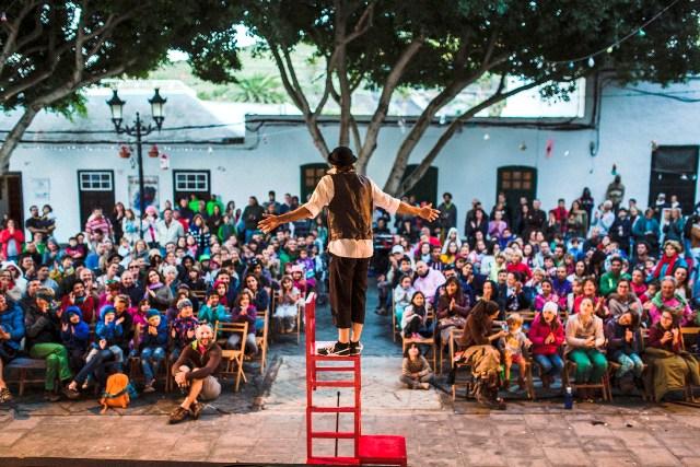Actuación-de-Mini-en-la-Plaza-de-Haría