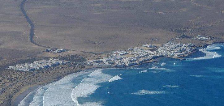 Vista aérea de Caleta de Famara.