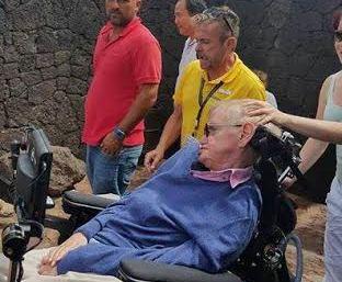 Stephen Hawking visita el Parque Nacional de Timanfaya