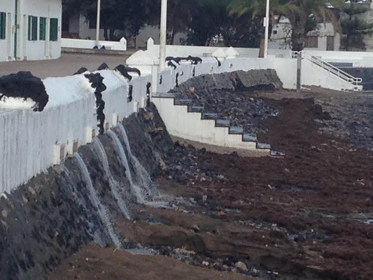 Arrecife y Playa Honda pusieron a prueba sus canalizaciones