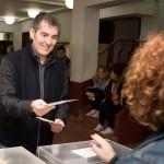 A primera hora de la mañana votó el presidente autonómico.