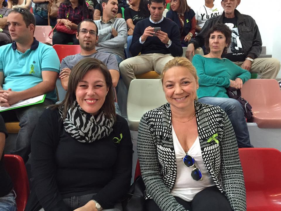 Dácil García junto a la también concejala del PP en Arrecife, Astrid Pérez, durante la presentación de Las Kellys realizada este lunes.