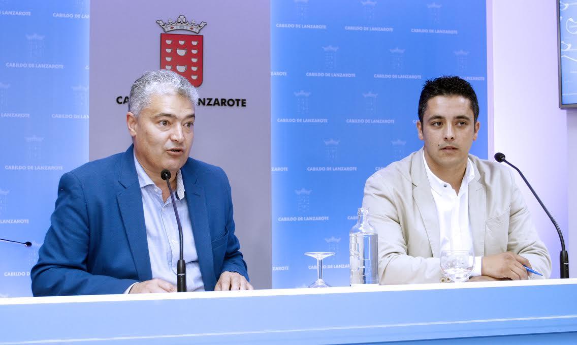 José Juan Cruz Saavedra y José Brito, durante su comparecencia.