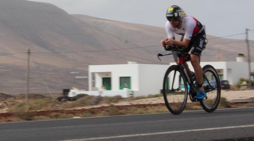 El británico David McNamee comenzó mandando el Ironman Lanzarote.