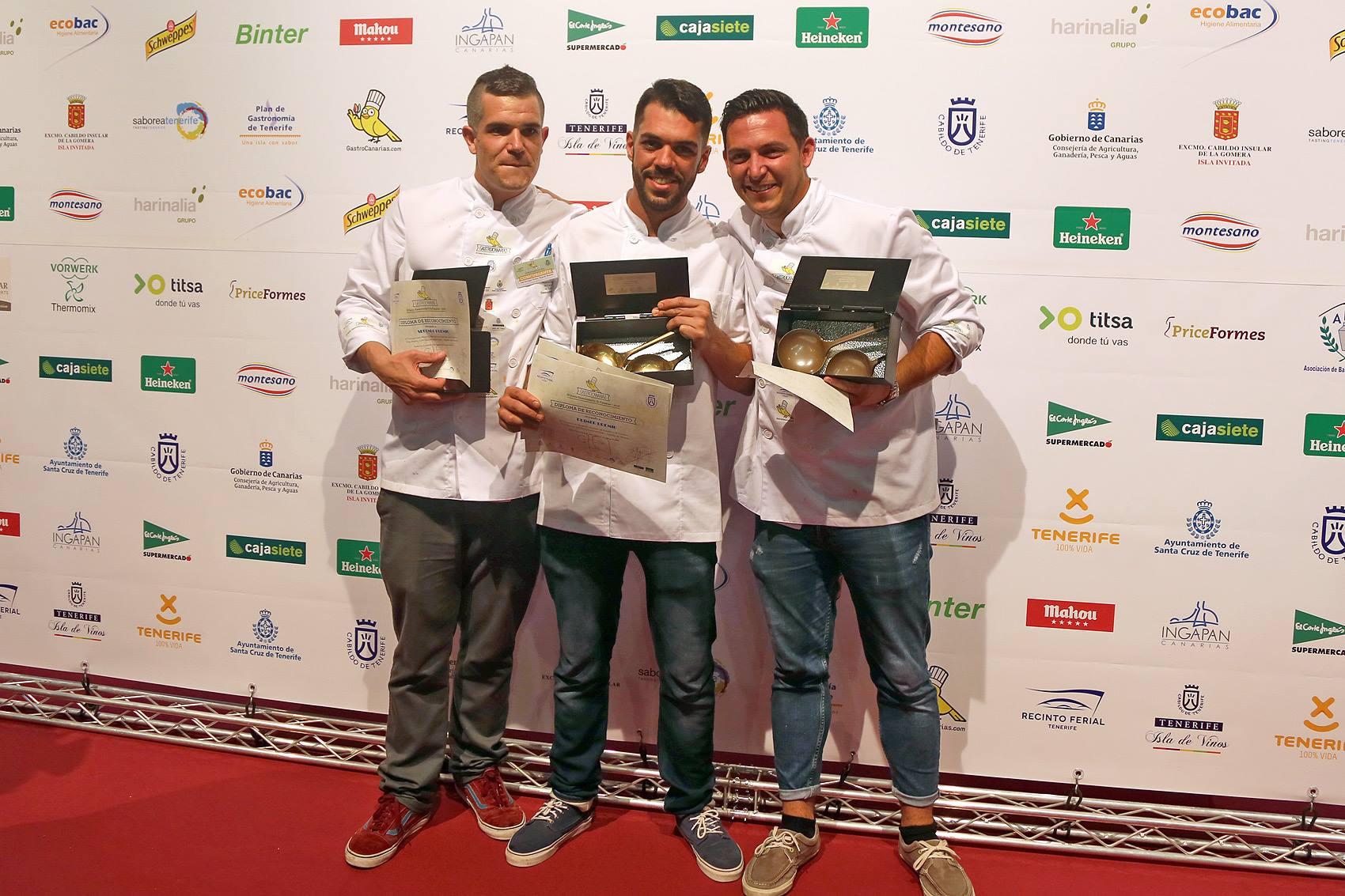 Joao, junto al ganador, Eduardo, y Abel, tercero.