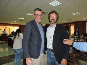 El alcalde de Haría (i), Marci Acuña, y Pedro San Ginés, se mostraron satisfechos del convenio.